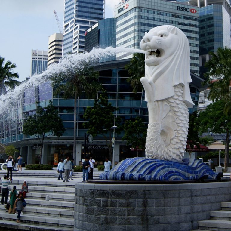 Singapore Cautiously Welcomes Crypto Bank Accounts, Fiat-Crypto Exchange